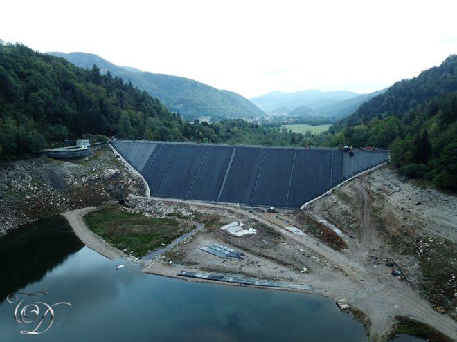 Les travaux du barrage de Kruth-Wildenstein arrivent bientôt à terme. L'année prochaine nous aurons un lac bien rempli d'eau et toute l'année désormais. Merci à Dominique TOMASINI pour les photos.